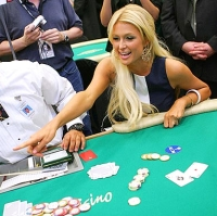 Paris Hilton uses a HUD when playing online poker
