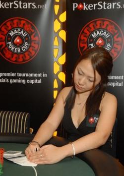 Daniel Negreanu poker champion