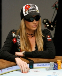 Vanessa Rousso plays at pokerstars